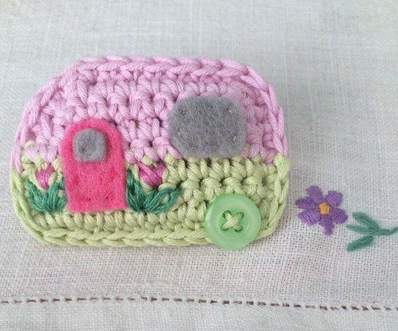 Crochet Caravan Brooch