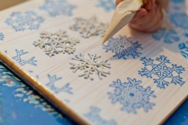 Снежинки из королевской глазури (айсинга)