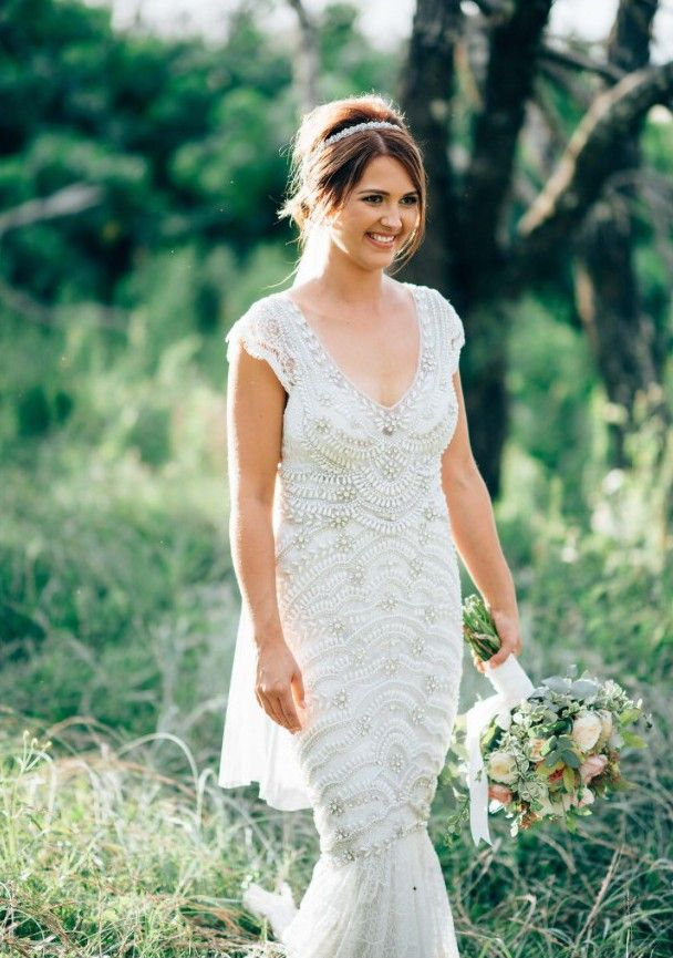 Superb Vintage Lace Applique Country Style Wedding Dresses Court Train Ivory Tulle Plus Size Backless Sheer