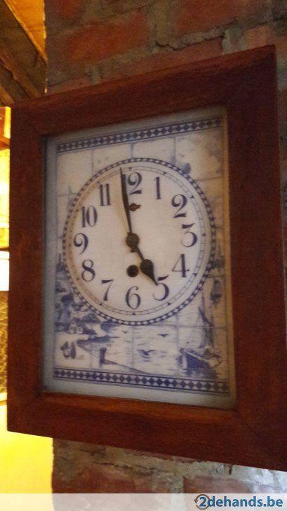 Oude klok met tegels Delfts blauw - Te koop