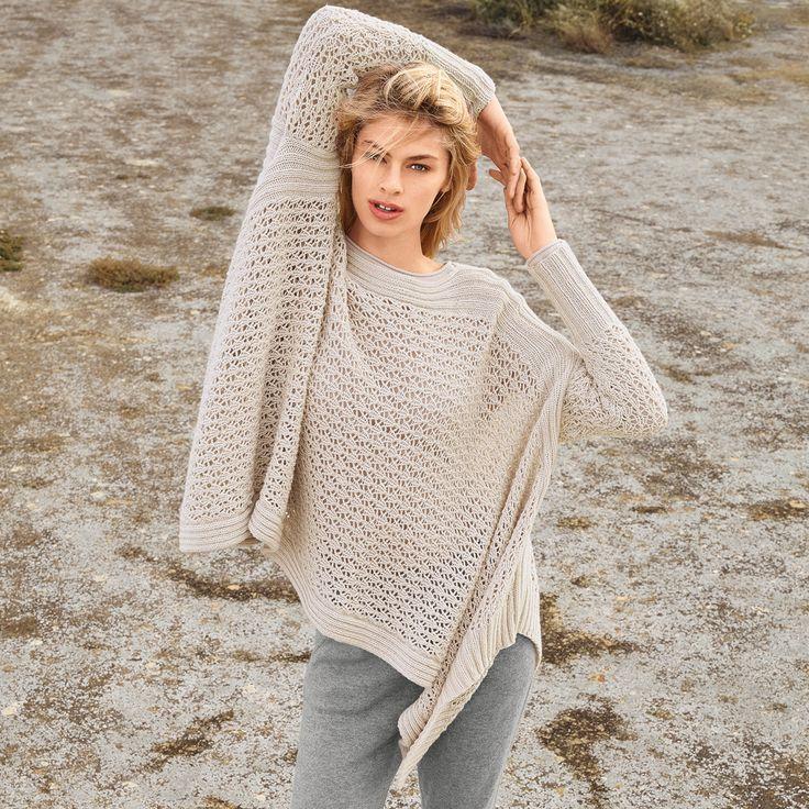Suéter-poncho con un patrón de calado