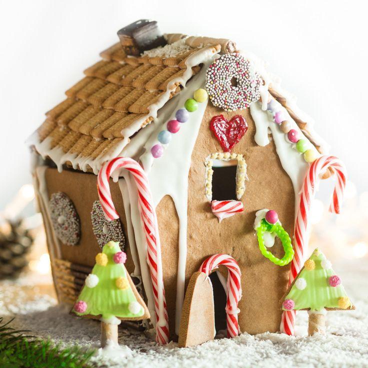 Knusper, knusper Häuschen...Mit der praktischen Schablone wirst auch du im handumdrehen zum süßen Bauherren.