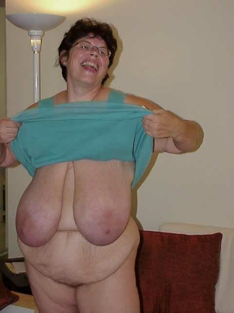 I have a serious addiction for the the extremes of huge dark areolas. I love it so much my life is full of happiness. I would love to meet such a lady upto 60 yrs age who posseses what I show and...