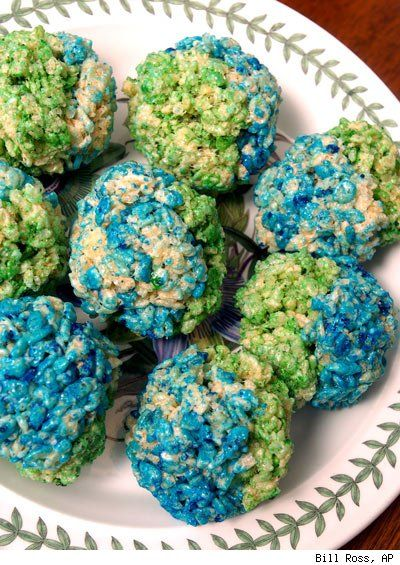 Rice cereal treats really are perfect for any occasion…including Earth Day.Blue Green, Food Crafts, Rice Krispies, Parties Ideas, Earth Day Crafts, Party Ideas, Rice Krispie Treats, Rice Crispy Treats, Earthday