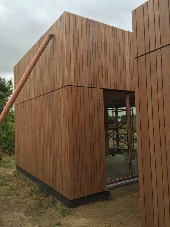 verticale houten gevelbekleding