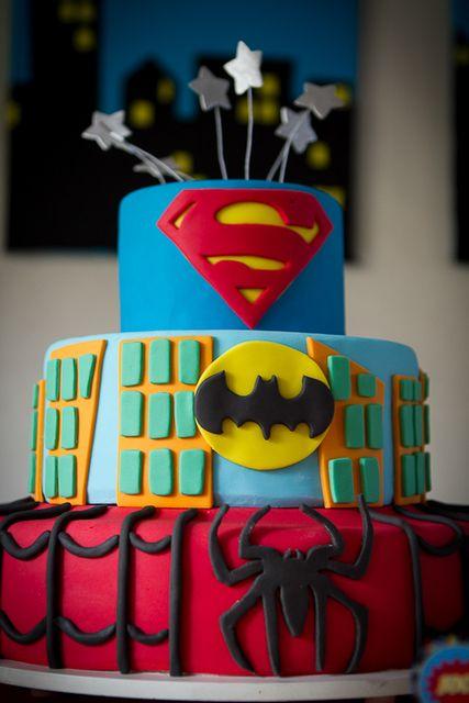 WOW ! Amo este pastel de super heroes