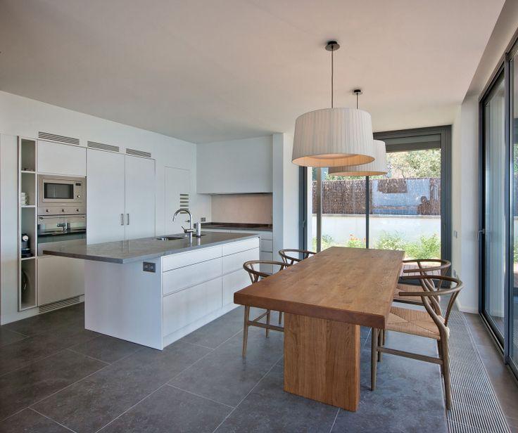 Bluestone Kitchen Floor - Flooring Ideas and Inspiration