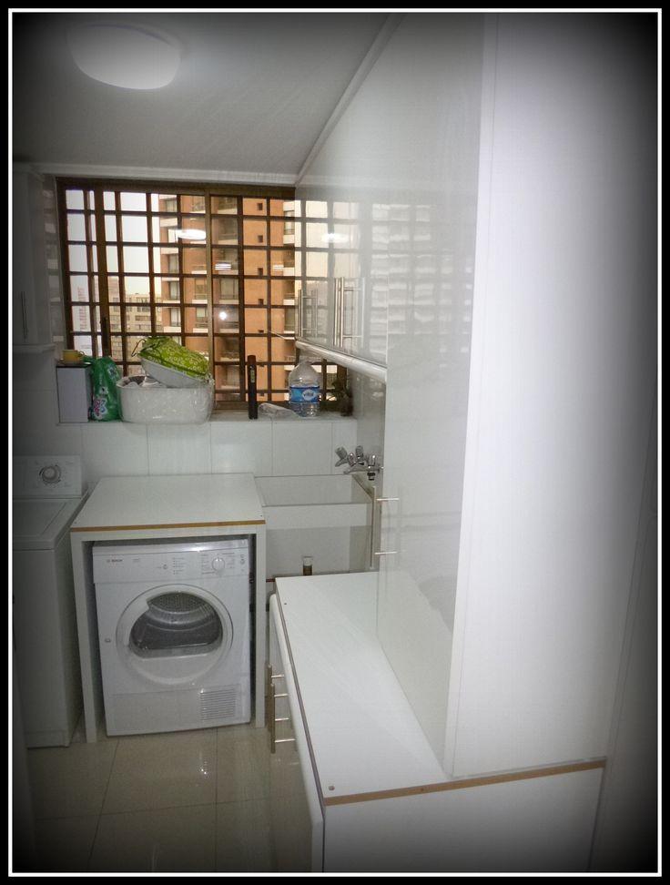 Muebles enchapados blancos para cubrir zona de lavado for Muebles de cocina zona pilar