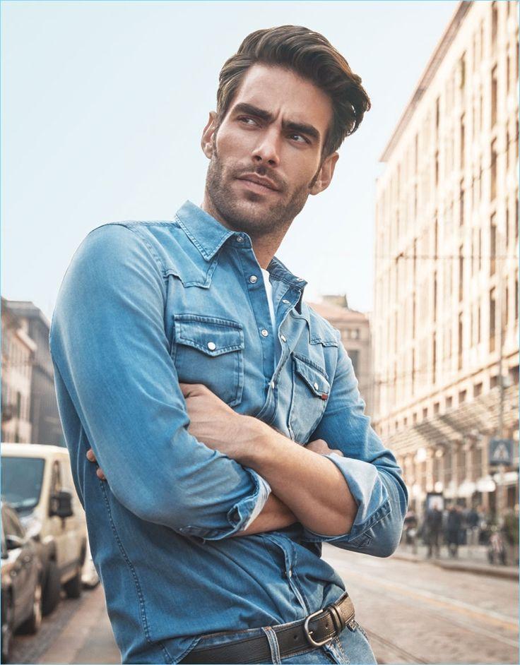Sporting a denim shirt, Jon Kortajarena appears in Liu Jo Uomo's spring-summer 2018 campaign.
