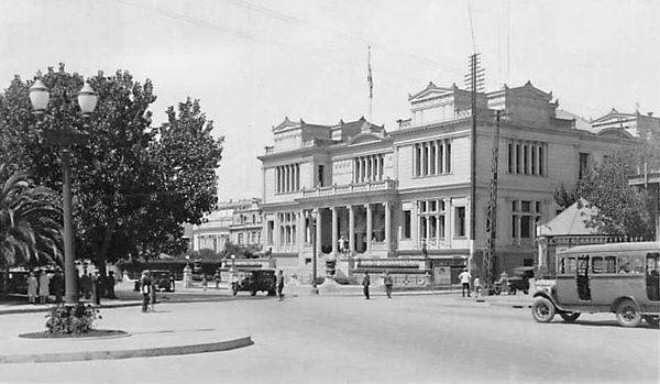 Plaza Sucre y Club Viña del Mar, año 1930.
