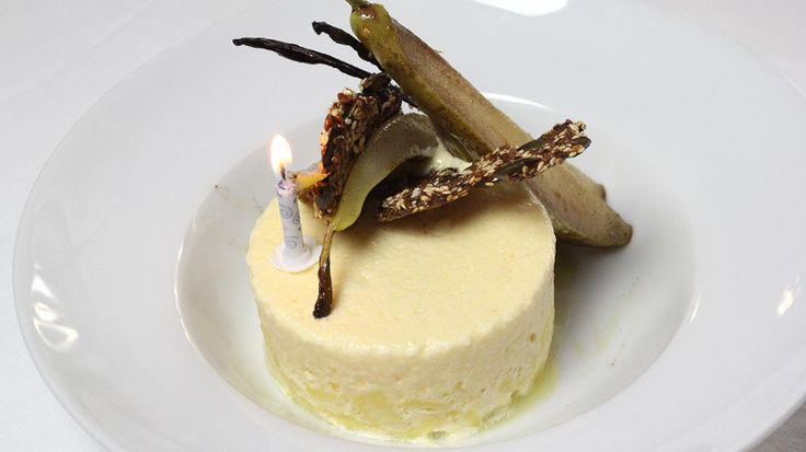 Parfait van yoghurt met gebakken peer, ananas en limoen, zadenkoekje | VTM Koken