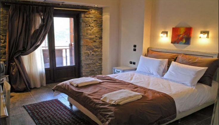 Casa Di Neve στο Καρπενήσι σε Loft Suite με Τζάκι & Ημιδιατροφή!