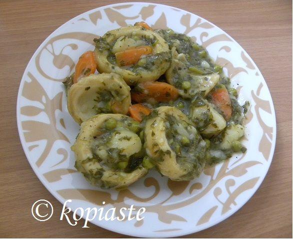 """Οι Αγκινάρες αλά Πολίτα είναι ένα από τα αγαπημένα μας φαγητά της """"Πολίτικης Κουζίνας"""" το οποίο είναι ένα λαδερό φαγητό με πολλές βιταμίνες. #αγκινάρες #πολίτικη_κουζίνα #νηστίσιμες_συνταγές #Ελληνική_κουζίνα #λαδερά"""
