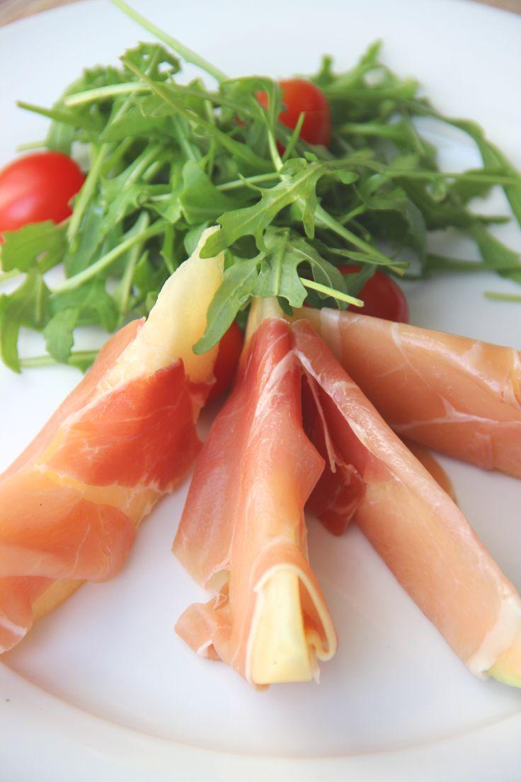 Rocket salad with melon and ham - Rucolasalade met meloen en ham