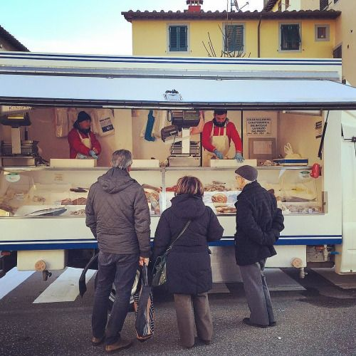 Toscana Mugello - market day in Barberino di Mugello   #TuscanyAgriturismoGiratola