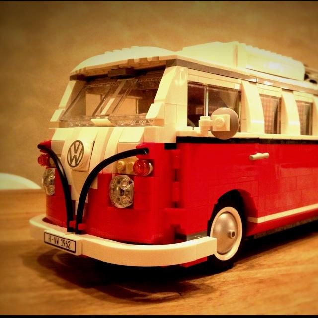 10220 Lego Volkswagen T1 camper van