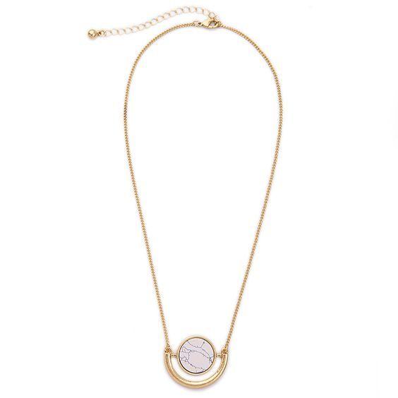 Bijoux fantaisie tendance 2017  A la recherche d'un bijou fantaisie pas cher ? Cette jolie collection de bijoux fantaisie tendance 2017 est originale et ultra féminine.Elle habillera…