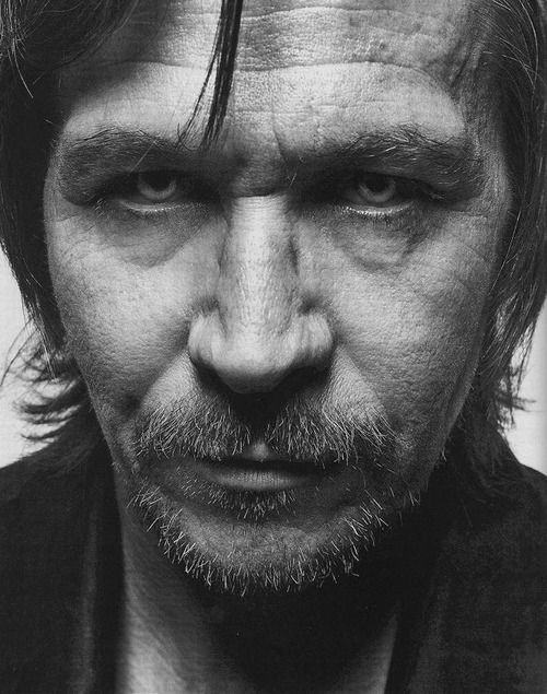 Gary Oldman is killing me with this look. And I am fine with that.