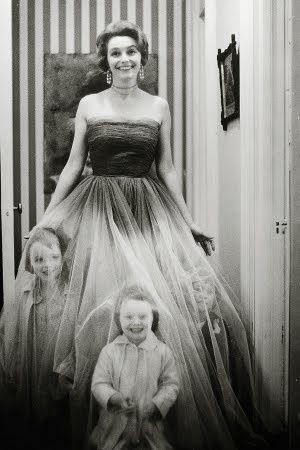 Patricia Neal and her children  One of my favorite portraits of all time. Beautiful, silly, and delightful.
