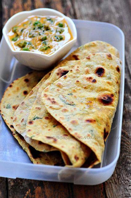 Methi Thepla - Gujarati Methi Thepla Recipe