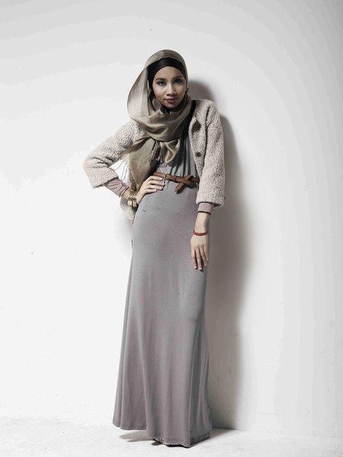 Grey and Silver Hijab Trends  5b4ffaf3fb0066a7749f9c04df3c880a