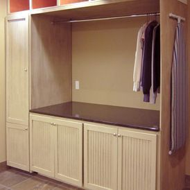 traditional laundry room by Home Design - yourhomedecoridea... - #home_decor_ideas #home_decor #home_ideas #home_decorating #bedroom #living_room #kitchen #bathroom #pantry_ideas #floor #furniture #vintage #shabby
