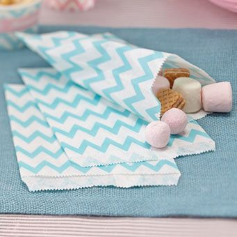 These gorgeous striped chevron candy bags are perfect for your next party or candy bar in a powder blue / mint green tone they are ideal to combine with our Chevron Divine range!