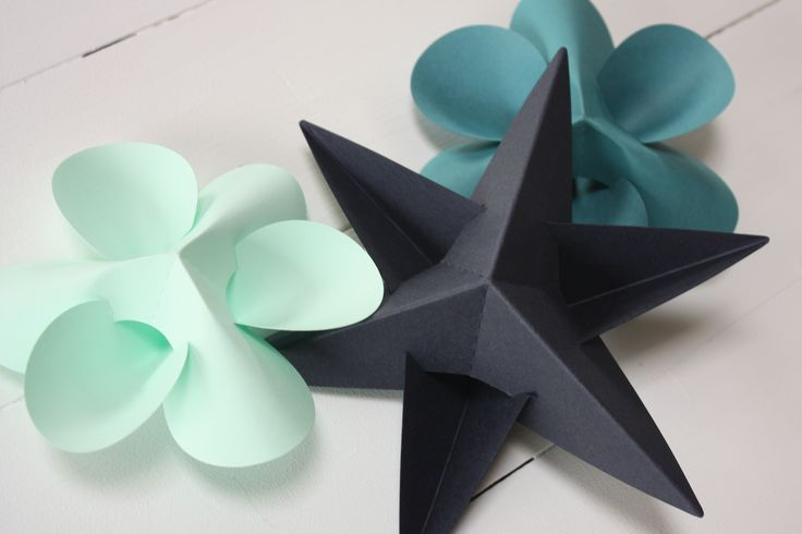 Livingly paper stars and flowers – constructed and designed by Danish architect and graphic designer Louise Helmersen. See more on http://www.livingly.dk  #DRmadeindk