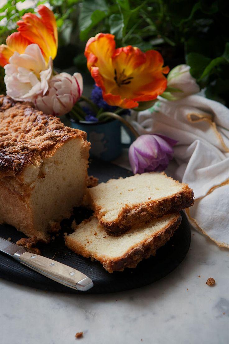 Słodka mleczna bułka i dużo kruszonki – White Plate