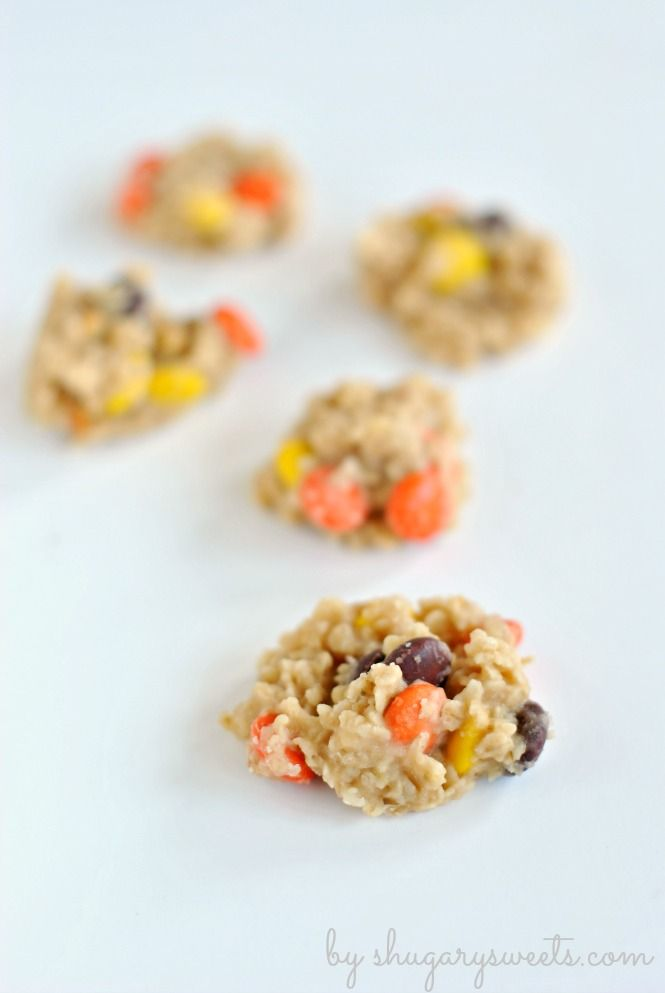 Peanut Butter No Bake Cookies with Reese's Pieces: delicious, no oven necessary treats the whole family will LOVE @Liting Mitchell Wang Sweets #reeses