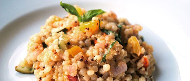 Esta receita veio da África e agora, magrinha, ficou ainda melhor. Com legumes e as proteínas da quinoa e do atum, vale por uma refeição completa leve.