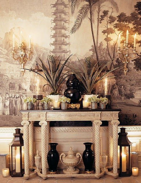 Gallery in New York apartment of Howard Slatkin, from his book FIFTH AVENUE STYLE. Photo by Tria Giovan