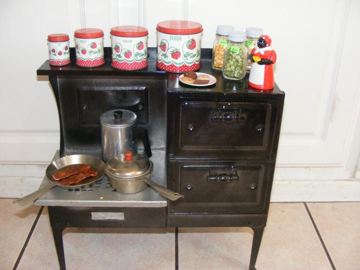 Vintage Metal Child S Kitchen