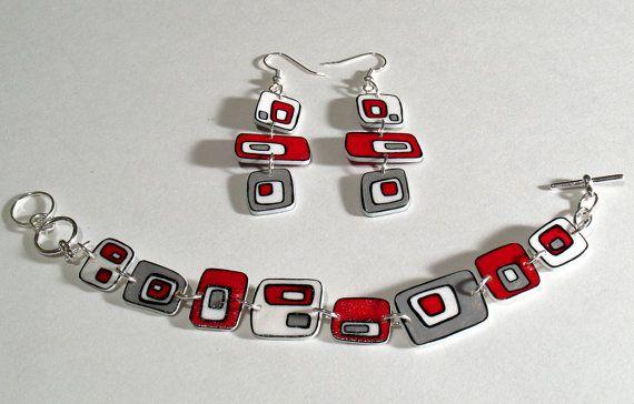Crimson mod box earrings and bracelet