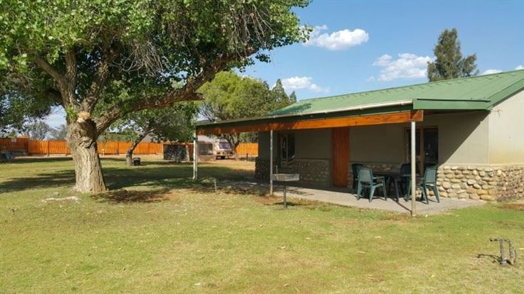 Komkyk - Karoo hospitality at its best. We offer you comfortable, neat and clean accommodation to suit every need.  Located on the N1-highway at Touws River, just 80 km from Laingsburg and Worcester.   Together ... #weekendgetaways #touwsriver #southafrica