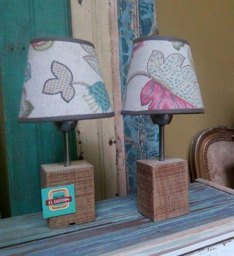 Lampara de madera pantalla de lino estampado   Taller El Guatan