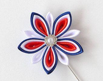 Prendedor de flor de los hombres. Broche de flores de tela Kanzashi. Pin de solapa Flor Kanzashi. Prendedor de flor en el ojal. Ramo de novia hecho a mano.
