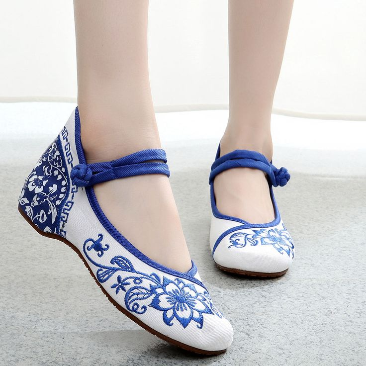 Plus Size 41 Fashion Women's Shoes Blue and white Flats Casual Embroidery Shoes Mary Janes Soft Sole Cloth Walking Shoes
