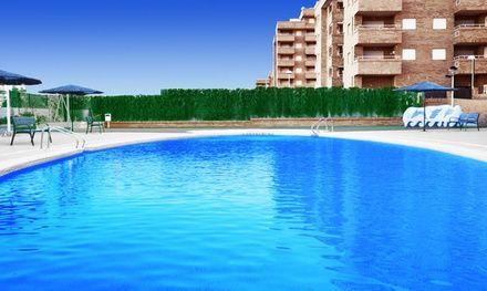 Appartement Vacaciones Azahar à Oropesa del Mar : Séjour en appartement sur la Costa Brava avec piscine