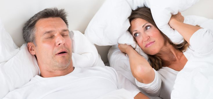 A simplified sleep testing device that can be used at home may be as effective as a sleep clinic for detecting sleep apnea.