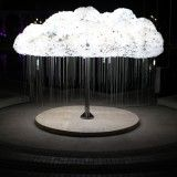 Cloud - l'imponente installazione luminosa interattiva di Caitlind