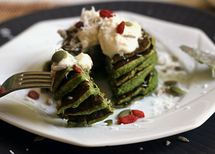Green Smoothie Pancakes; The perfect combination of healthy and comfort food