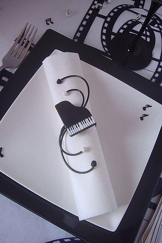 Vili cr ation rond de serviette piano noir et blanc - Rond de serviette a faire soi meme ...
