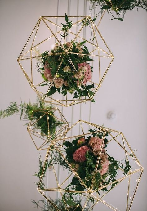 geometric shapes wedding chandelier decor / http://www.deerpearlflowers.com/modern-himmeli-geometric-wedding-details/3/