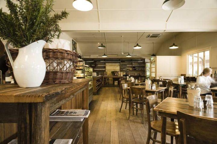 Прекрасный внутренний дизайн винного магазина-кафе в Австралии