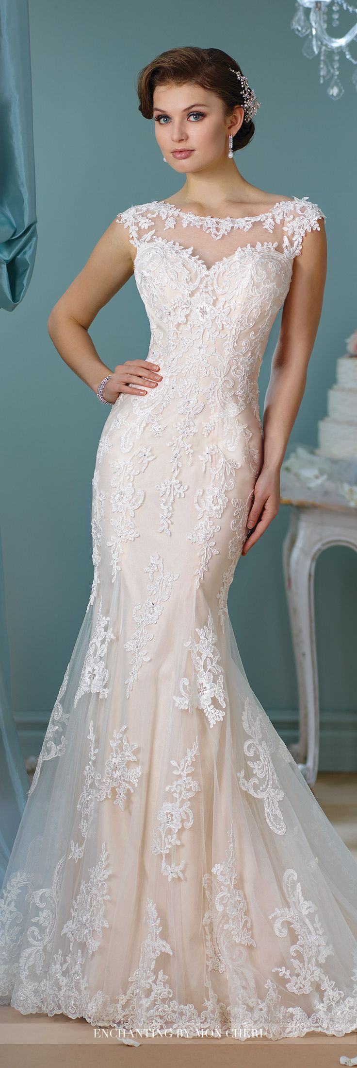 Best 25+ Fitted wedding gown ideas on Pinterest | Fitted wedding ...