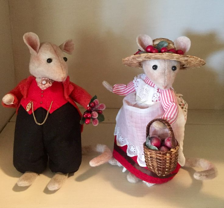 Lord & Lady Woodmouse I made from the Brambley Hedge pattern book.