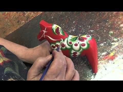 Nils Olsson Hemslöjd - Making a dala horse