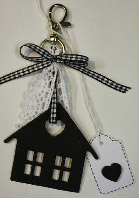 Marjoleine's blog: Sleutelhanger met gestanst huis uit foam