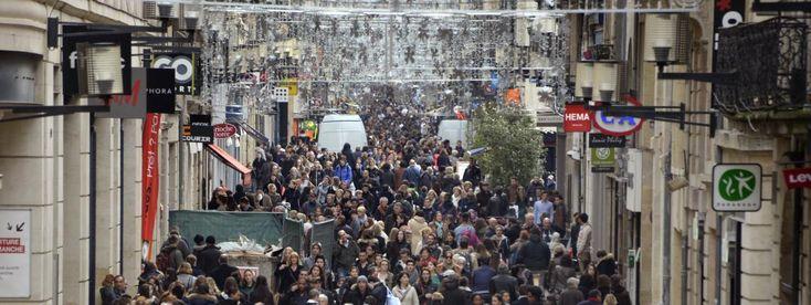 Recensement : la France comptait 66190280 habitants au 1er janvier 2015.    Ci-contre la rue Saint Catherine, à Bordeaux, le 8 janvier 2014 (Illustration).   JEAN PIERRE MULLER / AFP